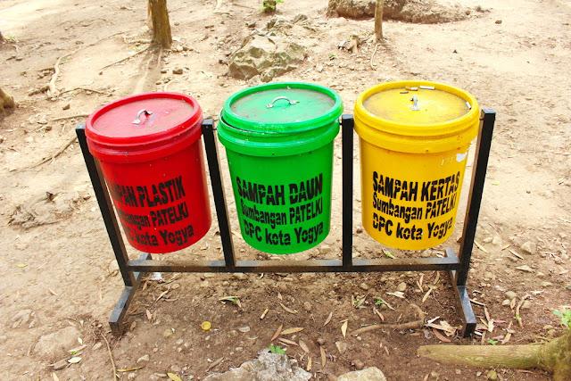 jaga kebersihan di tempat wisata