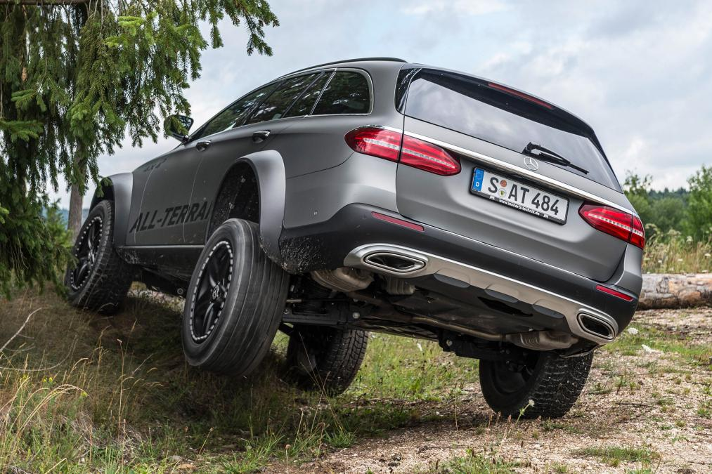 mercedes engineer creates wild e class all terrain 4x4 carscoops. Black Bedroom Furniture Sets. Home Design Ideas