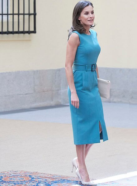 Queen Letizia wore a belted midi dress by Hugo Boss. Queen Letizia wore Hugo Boss Dadoria midi length shift dress