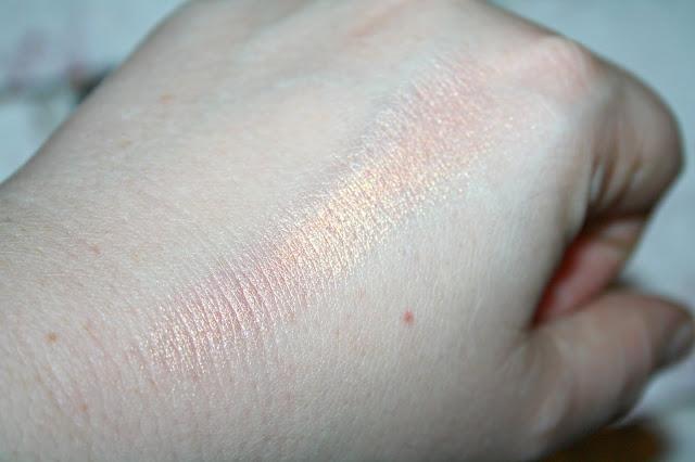 Laritzy Cosmetics Utopia Swatch