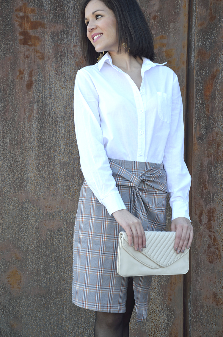 style_look_office_outfit_midi_skirt_white_shirt_black_stilettos_trends_gallery
