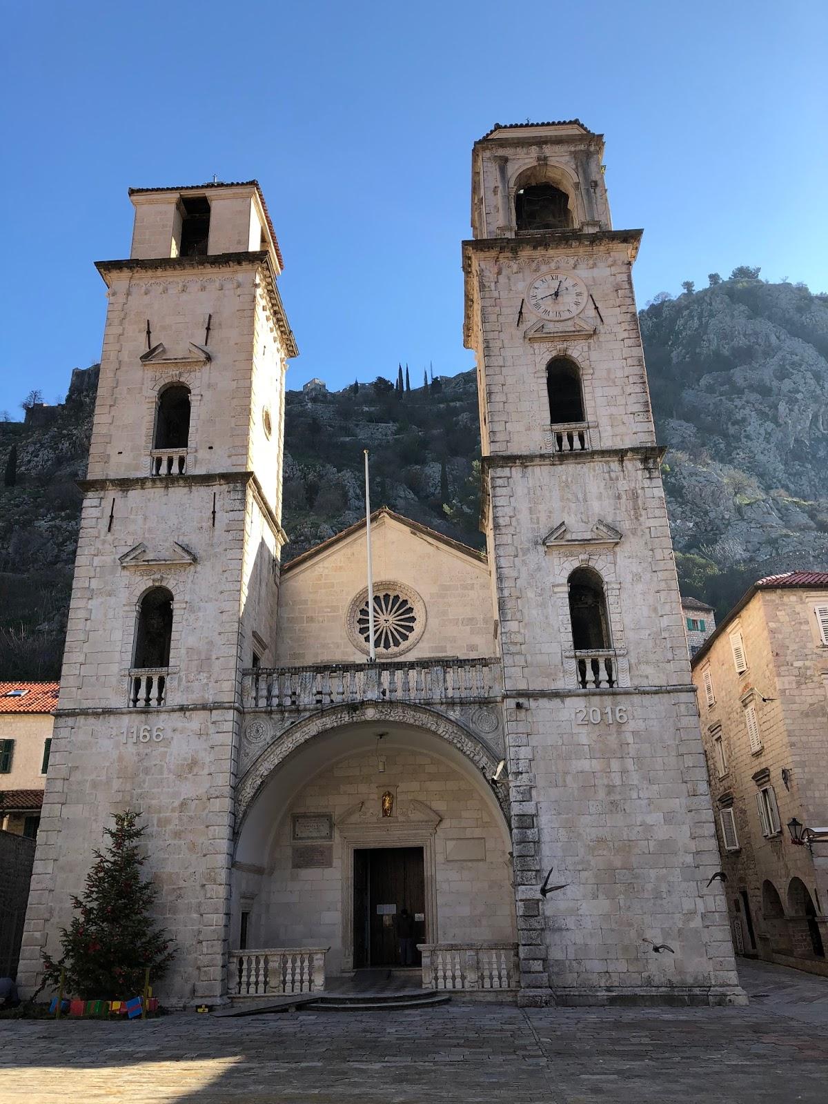 Tipik ortaçağ manastırı neydi Ünlü Ortodoks kiliseleri 83