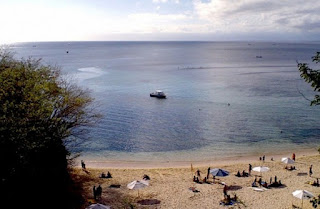 http://www.teluklove.com/2017/03/destinasti-objek-wisata-pantai-labuan.html