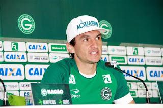 Matheus Ferraz apresentado oficialmente pelo Goiás