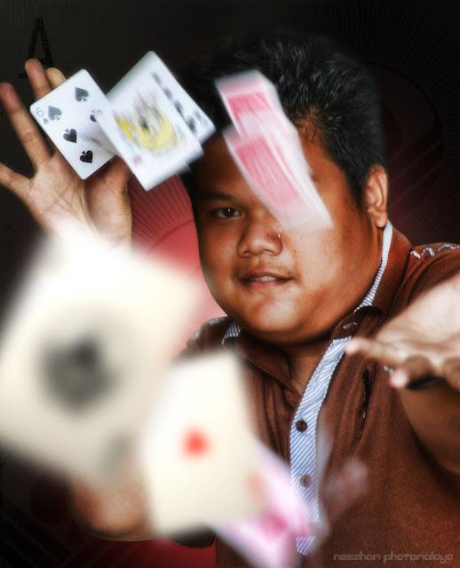 manipulasi foto - Farez Zuhairi - ahli silap mata muda dari Teluk Pasu