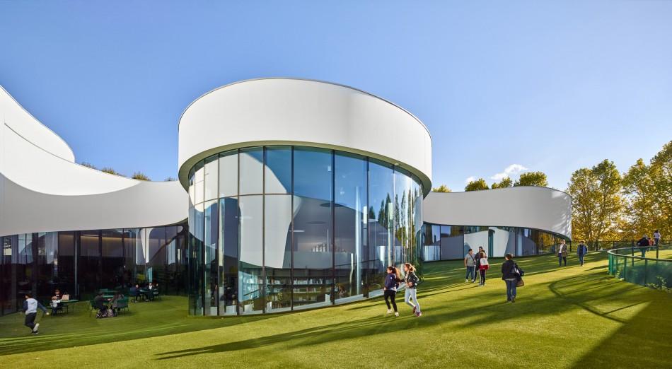 Una Biblioteca Futurista En Francia
