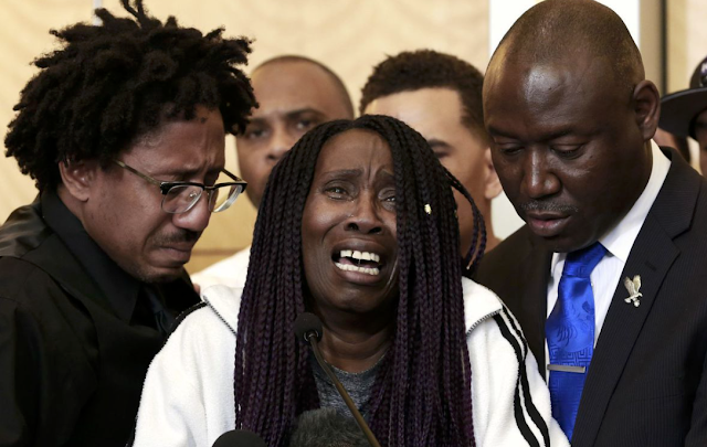 Stephon Clark's grandmother recounts horror of learning police had killed him in her backyard