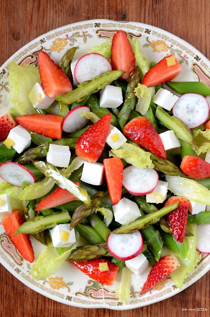 insalata-di-asparagi-e-fragole