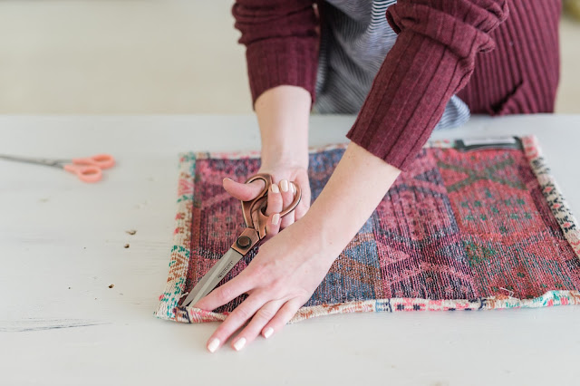 Make an Anthropologie Inspired Kilim PIllow with Tassels | Sewing DIY