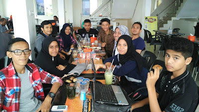 Pertemuan Di Coffe Time Lt. 2