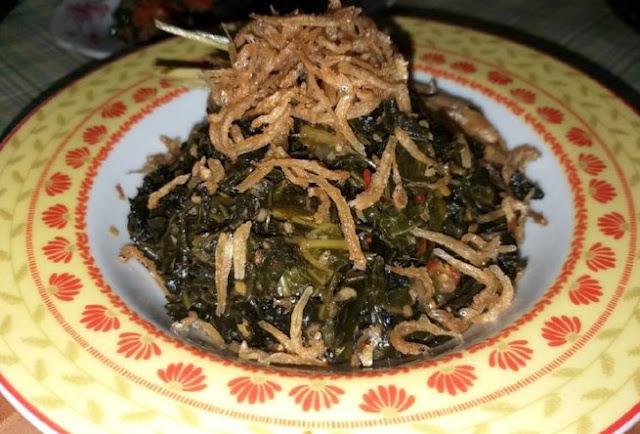Cara memasak memasak daun pepaya jepang ikan teri lembut