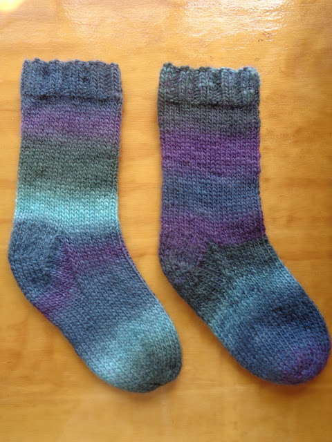 Chunky Socks Knitting Pattern - Atlantis Socks