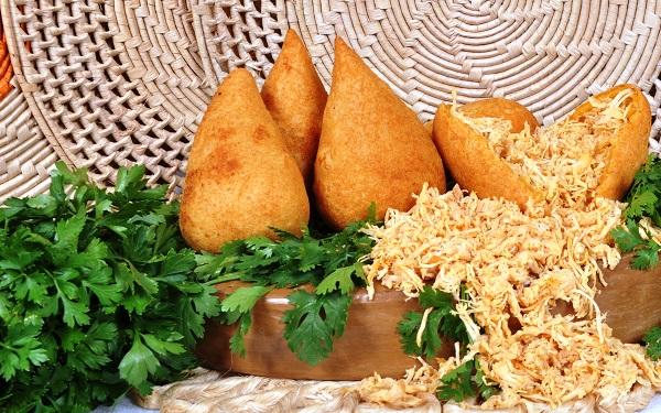 Receita de coxinha com massa de arroz (Imagem: Reprodução/Gshow)