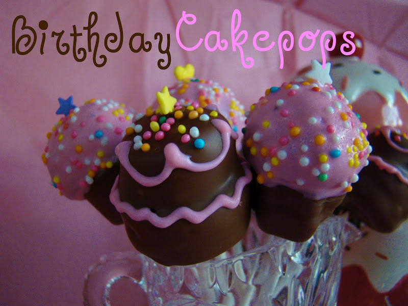 SweetBakedLove Birthday Cake Pops