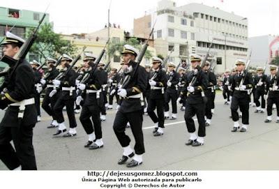 Fotografía de la Escuela Nacional de Marina Mercante ENAMM en Desfile 2012 por Jesus Gómez