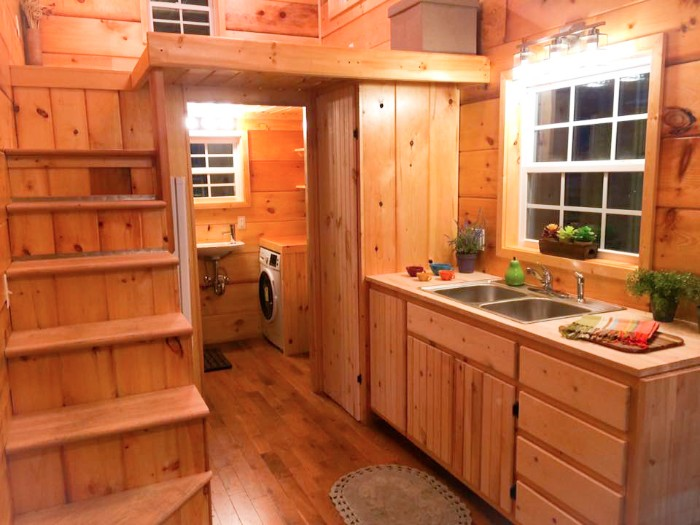 Harvard Designed Tiny Homes: TINY HOUSE TOWN: The Southern Draw By Incredible Tiny Home