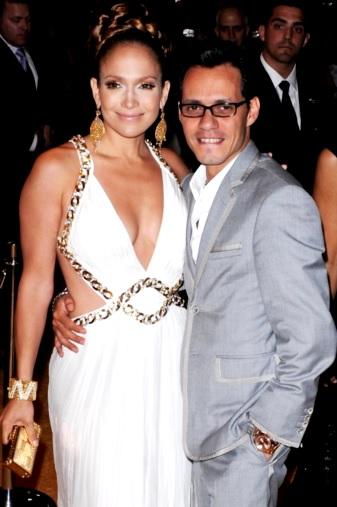 Foto de Marc Anthony muy feliz junto con Jennifer López