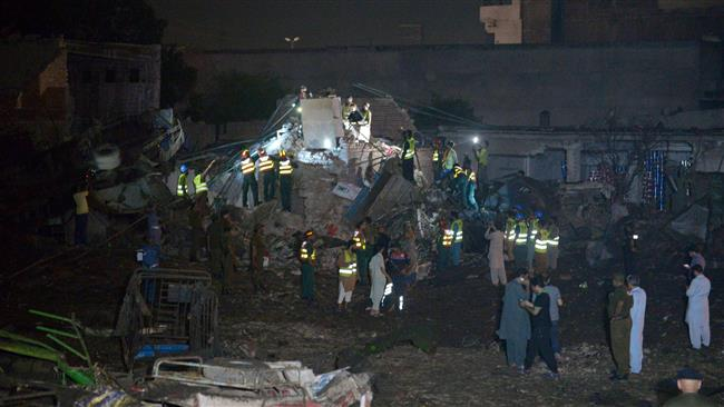 At least 34 injured in bomb blast in Pakistan's Lahore