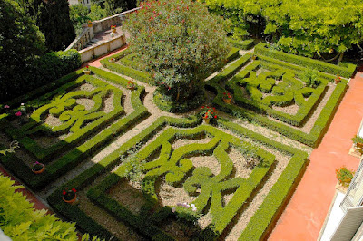 Formal garden at Castello di Montefugoni