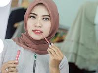 4 Cara Mengaplikasikan Make Up Tanpa Cermin yang Mudah Diterapkan