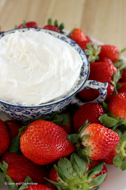 Truwhip Cheesecake Dip from LoveandConfections.com