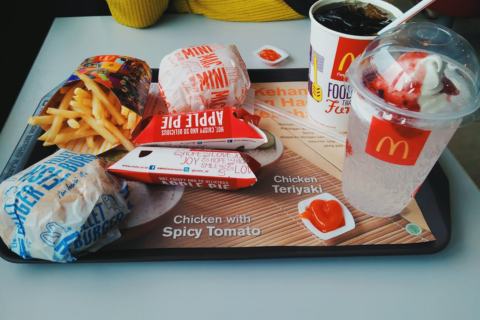 Apple Pie Mcdonald's Indonesia - The Menu