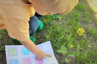 Zabawa na podwórku - Kolorowe bingo - zabierz na kolejny spacer i zobacz, jak wciągnie Twoje dziecko.