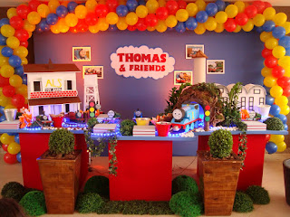 Festa Thomas e seus amigos