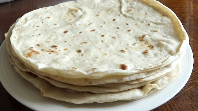 pain tortilla, tortilla, bread, tortilla de farine, recette pain tortilla, wraps maison, recette wraps, wraps de blé, tortilla de blé, recette à moins d'un euro, quesadillas, burritos, enchilladas, fajitas, wraps, taquitos
