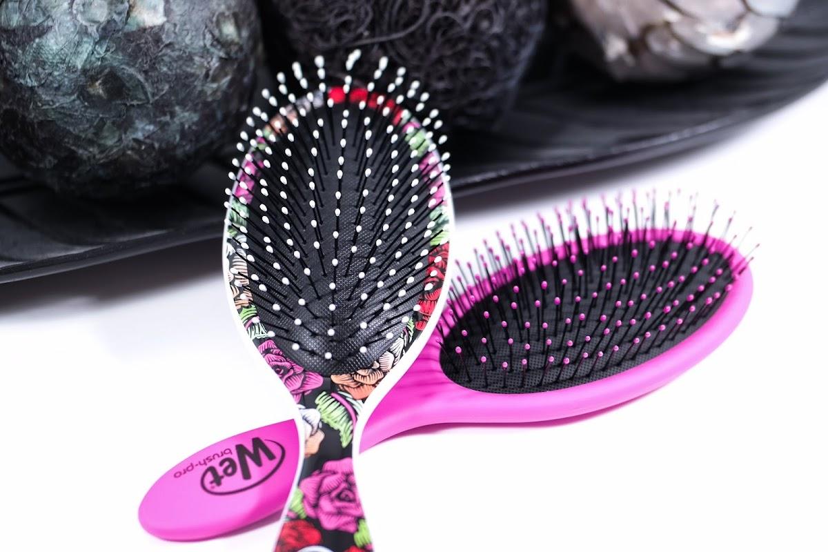 zum Entwirren der Haare