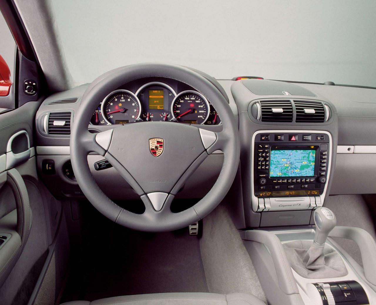 Cars World Porsche Cayenne Interior