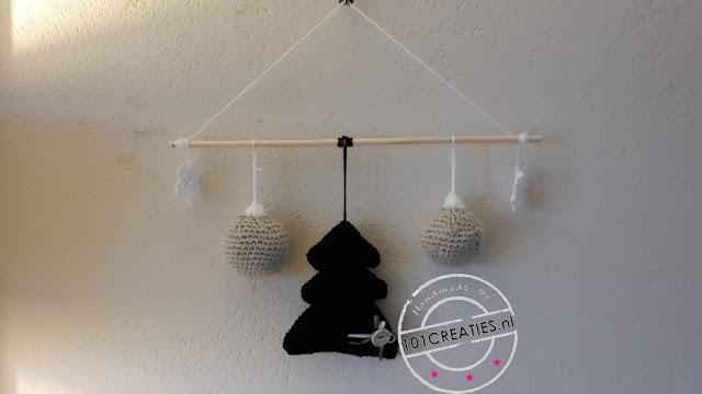 kerstboom; kerstbal; sneeuwvlok