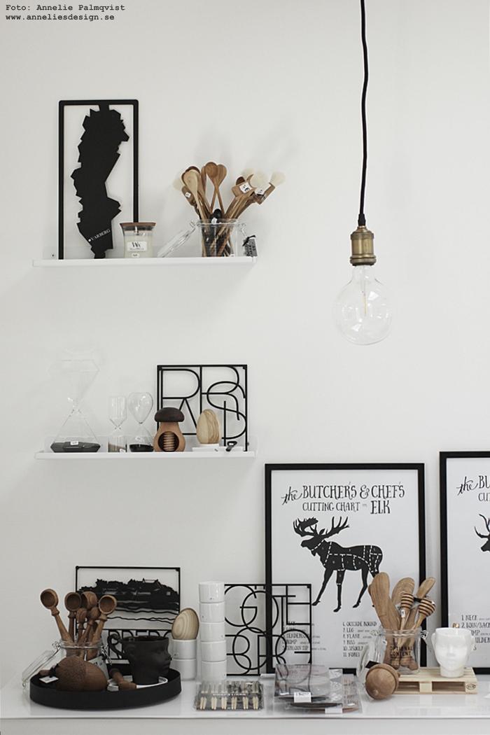 annelies design, kök, showroom, butik, inredningbutik, webbutik, webbutiker, inredning, webshop, nätbutik, nätbutiker, nettbutikk, nettbutikker, svart och vitt, svartvit, grytunderlägg, varberg, halland västkusten, underlägg, woodwick, doftljus, hängande lampa, lampor, styckningsschema, styckning, älg, älgar, vilt, kökstavlor, tavla, tavlor, industriellt, industristil