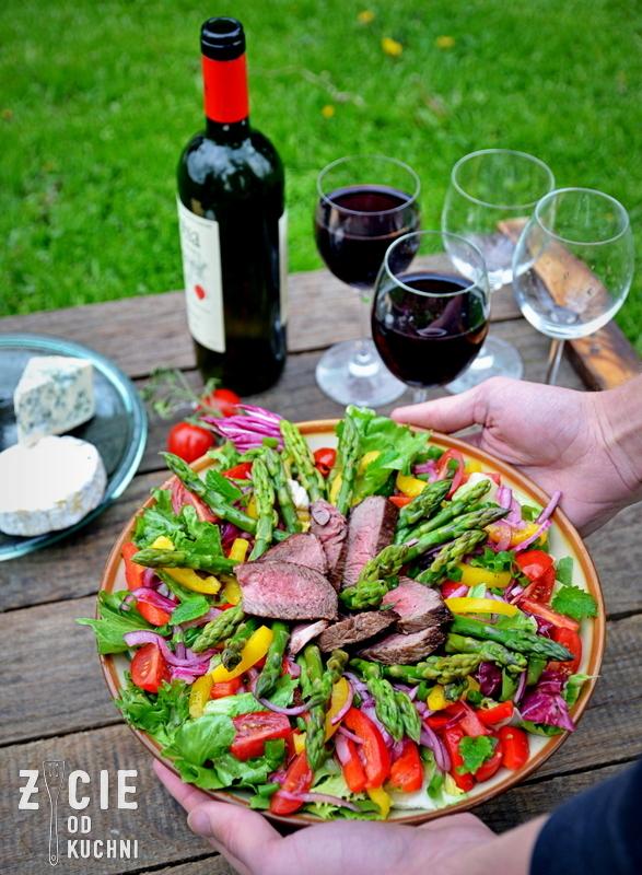 szparagi, salatka ze szparagami, przepisy na grill, griil,