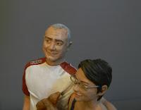 idee regalo moglie marito anniversario statuina coppia in miniatura orme magiche