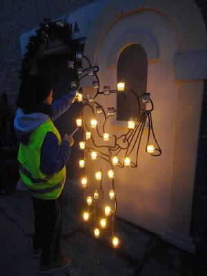 Candele a Candelara: visitare un borgo medievale con la sola luce delle fiaccole