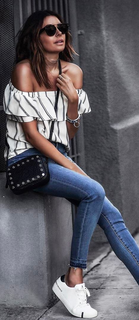 summer casual style addiction: off shoulder top + bag + skinnies + sneakers