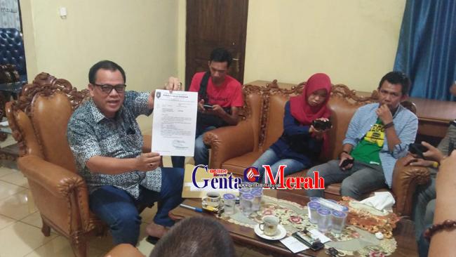 Pindah ke Pemprof Lampung, Mantan Sekda Lampura Serahkan Seluruh Fasilitas Dinasnya
