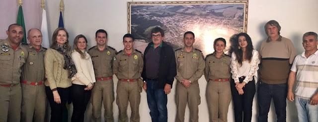 Manoel Ribas: Prefeita recebe visita do Tenente do Corpo de Bombeiros
