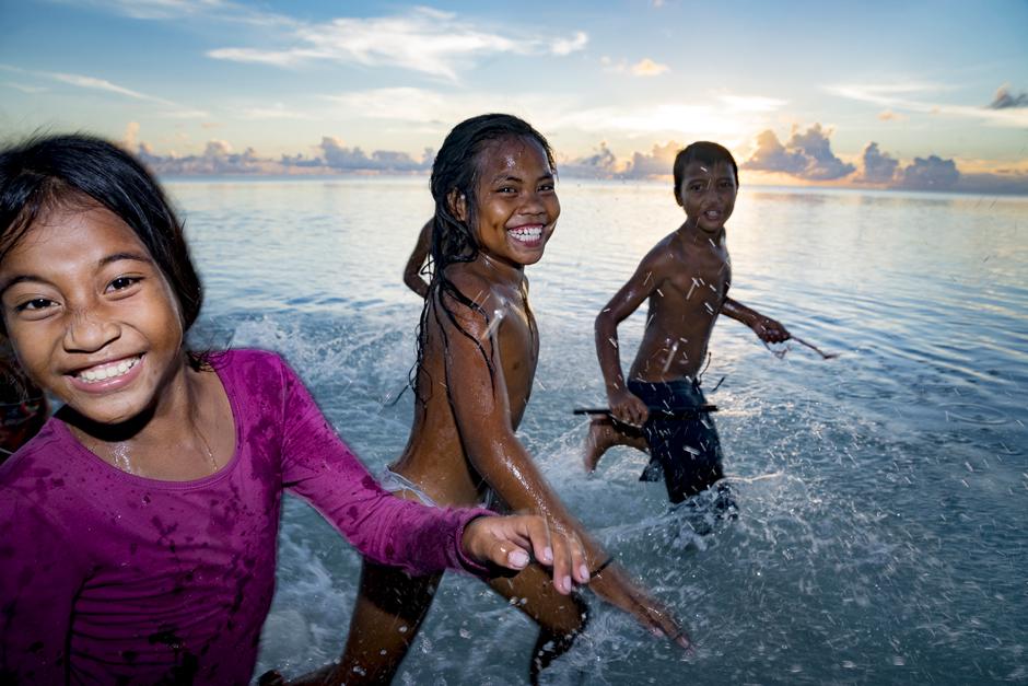 Jordan Wallpaper Girl Worlds Culture And People Kiribati Culture