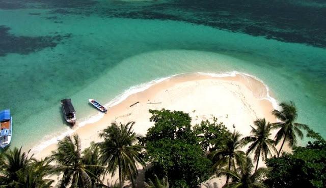 8. Pulau Memperak