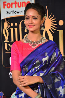 Shanvi Looks Super Cute in Pink Backless Choli Blue Saree at IIFA Utsavam Awards 2017 28.JPG