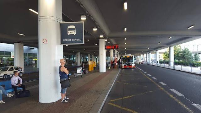 AIRPORT EXPRESS parada aeropuerto praga