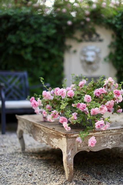 Get the Look: English Garden Patio Lion Fountain under $400