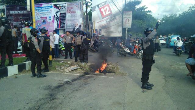 Rusak Mobil Warga, Pendemo di Kampus Unhas Dikejar Aparat TNI-Polri