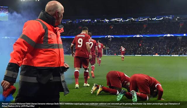 Sujud Syukur Mohamed Salah Iringi Kemenangan Liverpool Saat Melawan Manchester City Di Perempat Final Liga Champions.