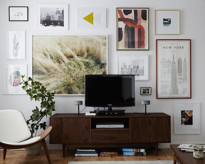 art wall around TV
