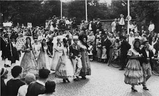 Die Biedermeiergruppe 1932 - Nachlass Joseph Stoll, Album Oald Bensem, lfd.No. 0104, eingescannt 600 dpi, Stoll-Berberich 2015