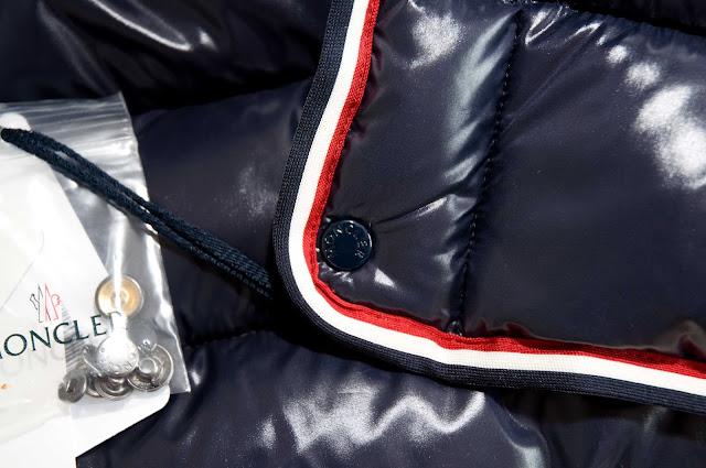 zatrzaski na guzikach kurtka Moncler oryginał