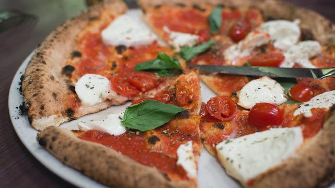 Wallpaper: Italian Pizza